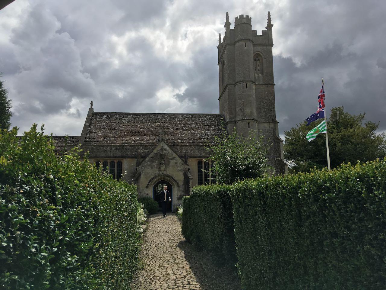 St Andrew's, Heddington
